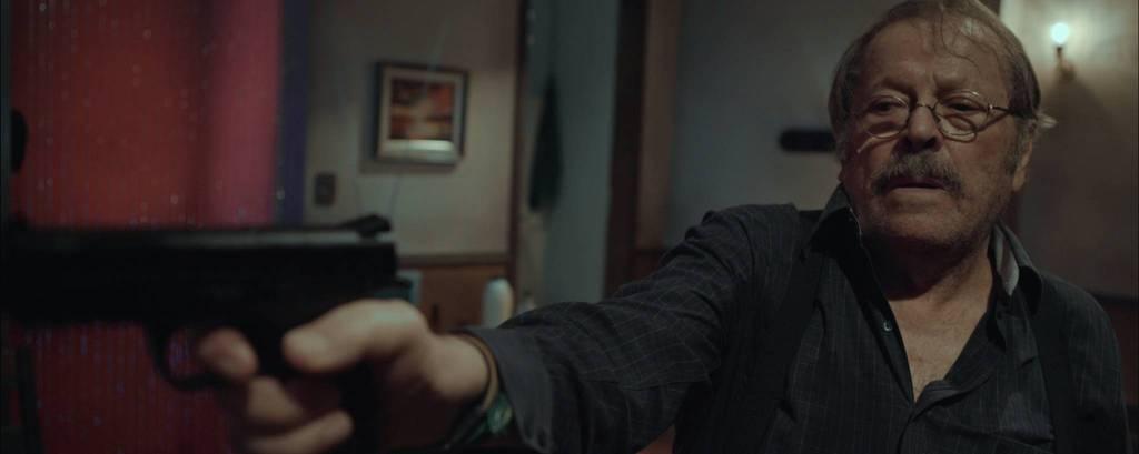 Carlos Vereza em cena de 'O Trampo'