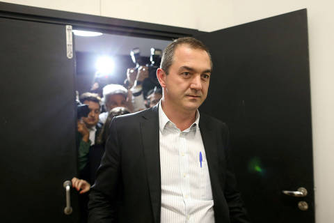 FILE PHOTO: FILE PHOTO: Brazil's billionaire businessman Joesley Batista is pictured at the Brasilia international airport, after giving testimony in Brasilia, Brazil, September 7, 2017. REUTERS/Adriano Machado/File Photo/File Photo ORG XMIT: FW1
