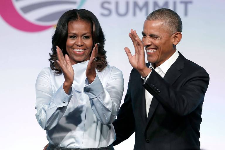 Michelle e Barack Obama durante evento da Fundação Obama em Chicago, nos Estados Unidos