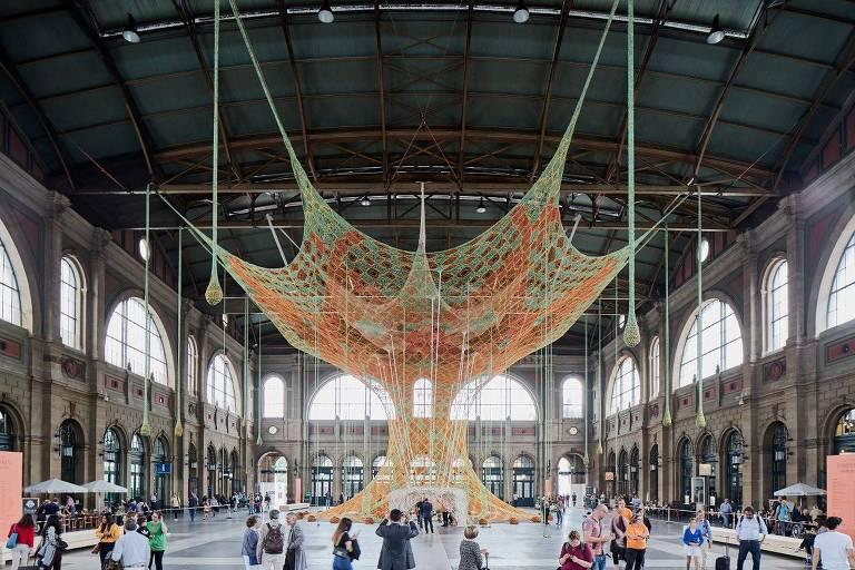 Instalação de Ernesto Neto em Zurique