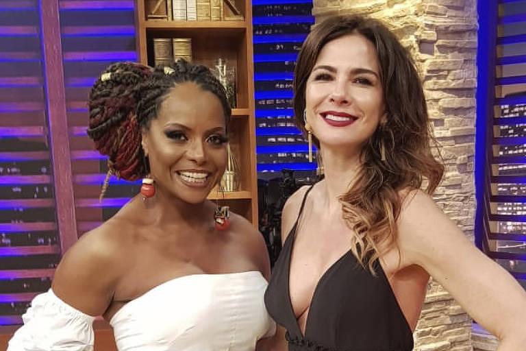 Luciana Gimenez recebe em seu talk show, na RedeTV!, a carioca Adriana Bombom