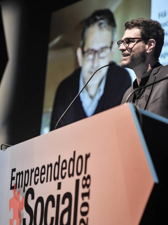 Sergio Andrade, fundador da Agenda Pública, homenageia Otavio Frias Filho na cerimônia do Prêmio Empreendedor Social 2018