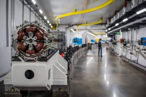 CAMPINAS, SP, BRASIL, 14-11-2018: Nesta quarta (14), será inaugurada a primeira etapa do Projeto Sirius, o novo acelerador de partículas de Campinas. Na foto o tunel dos aceleradores booster e o anel de armazenamento de eletrons. (Foto: Bruno Santos/ Folhapress) *** FSP-CIÊNCIA, SAÚDE E EQUILÍBRIO *** EXCLUSIVO FOLHA***