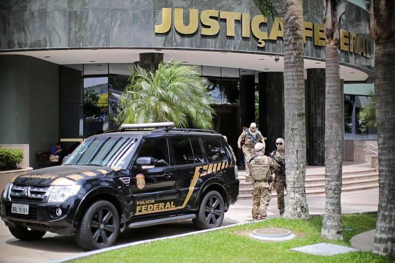 Frente da Justiça Federal do Paraná, onde aconteceu o depoimento do ex-presidente