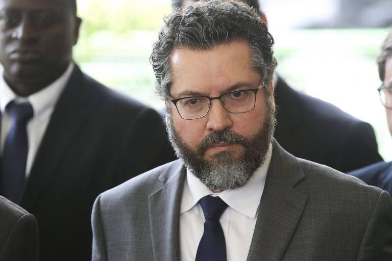 O futuro ministro das Relações Exteriores, embaixador Ernesto Fraga Araújo, durante coletiva em Brasília