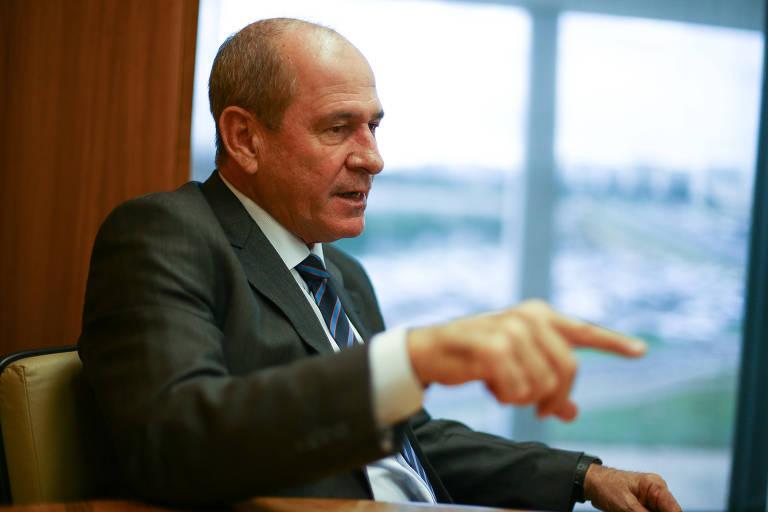 O general Fernando Azevedo e Silva, assessor do ministro presidente do STF, Dias Toffoli, e indicado por Bolsonaro para o Ministério da Defesa do novo governo