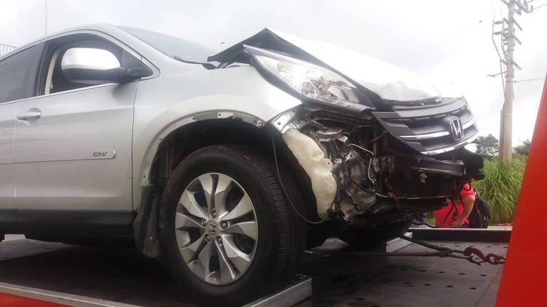 O analista de sistemas Ronaldo Andrade, 42, passava pelo viaduto no momento do colapso. Seu carro foi um dos mais danificados pelo episódio