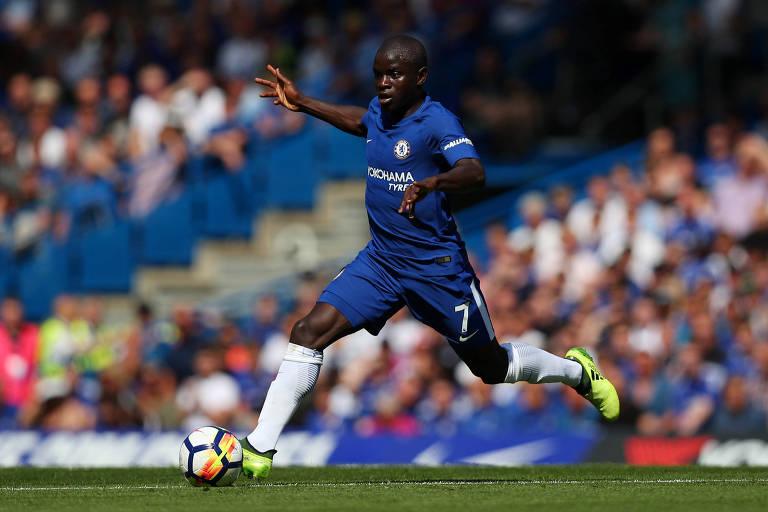 Kanté em ação contra o Everton, em jogo válido pelo Campeonato Inglês