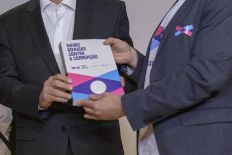 Documento elaborado pela sociedade civil traz propostas legislativas para o combate à corrupção