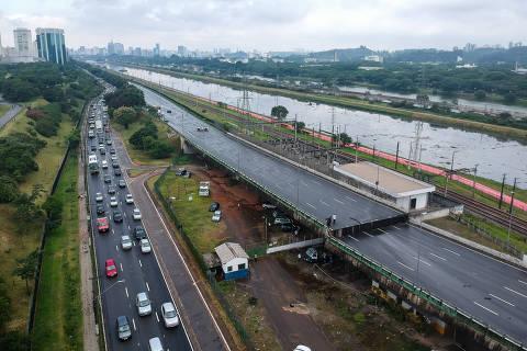 SAO PAULO , SP , 15.11.2018 , BRASIL , Fotos Aéreas Viaduto que cedeu na Marginal Pinheiros  Foto: Leo Otero
