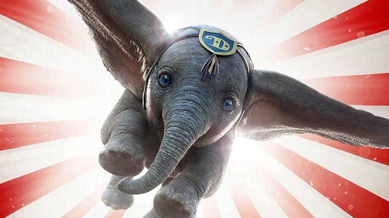 Dumbo voando em teaser do filme divulgado pela Disney