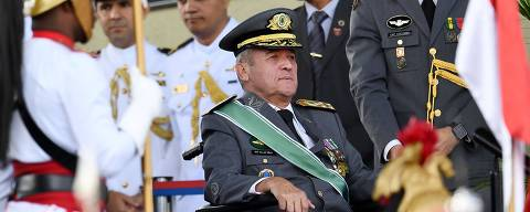 (FILES) In this file photo taken on April 19, 2018 Brazilian Army Commander Eduardo Villas Boas attends a parade commemorating the Brazilian army at the Army's headquarters in Brasilia. - Less than a month before particularly uncertain elections in Brazil, militarymen have rarely been so present in the political debate. (Photo by EVARISTO SA / AFP) ORG XMIT: ESA264