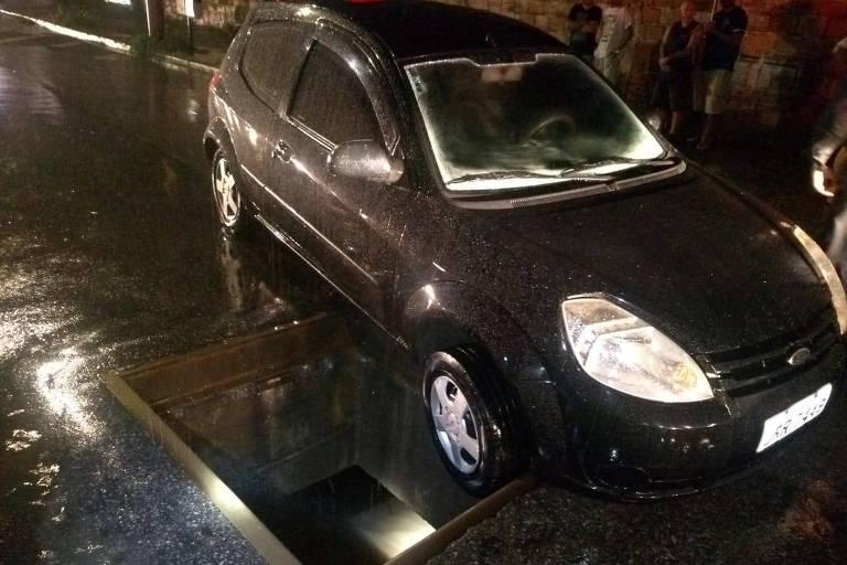 Chuva recorde deixa mortos em BH
