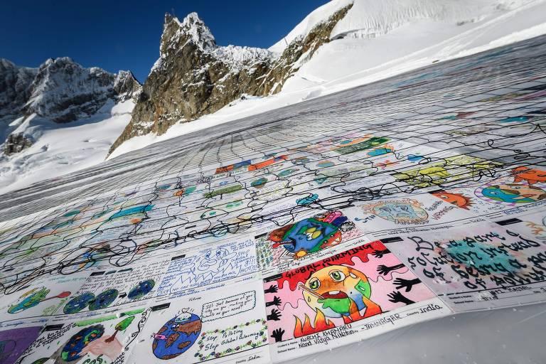 Colagem de 125 mil desenhos e mensagens de crianças de todo o mundo nos Alpes suíços, pedindo ação contra a mudança climática