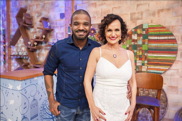 O cantor Arlindinho e a apresentadora Faa Morena