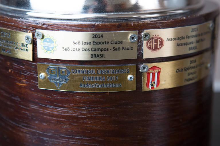 Símbolo do Audax está na taça como time campeão da Libertadores feminina de 2017