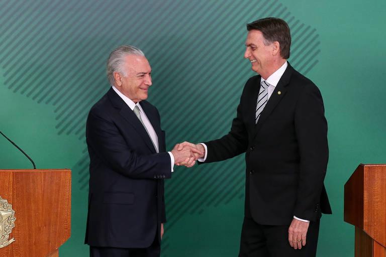 O presidente eleito, Jair Bolsonaro (PSL), e o presidente Michel Temer após reunião para tratar do processo de transição do governo