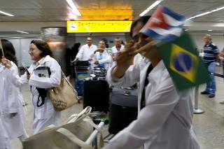 Desembarque de profissionais cubanos em São Paulo em 2013