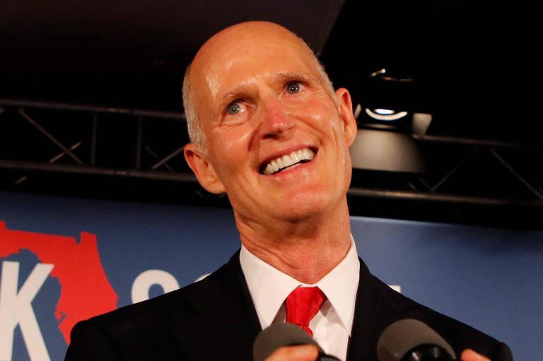 O candidato Rick Scott durante ato de campanha em Naples