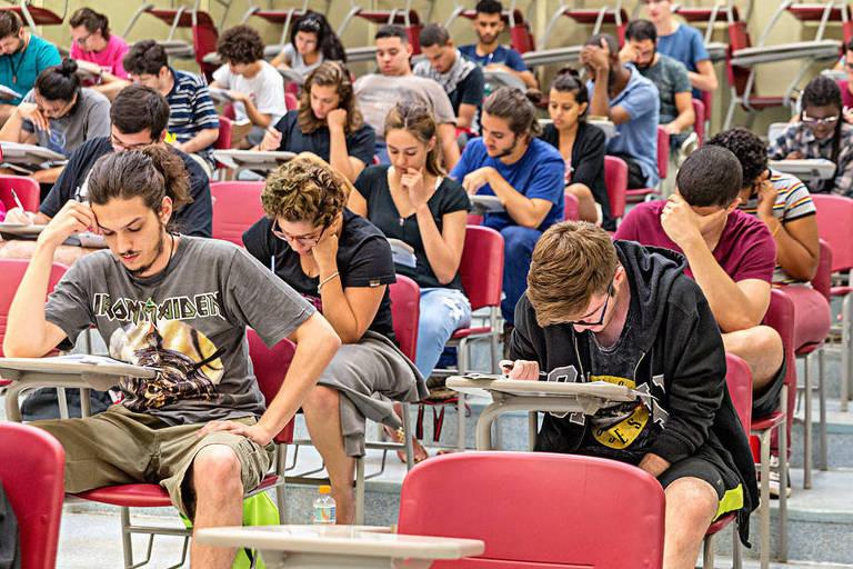 Um total de 69,7 mil candidatos disputaram as 2.589 vagas oferecidas pelo Vestibular da Unicamp