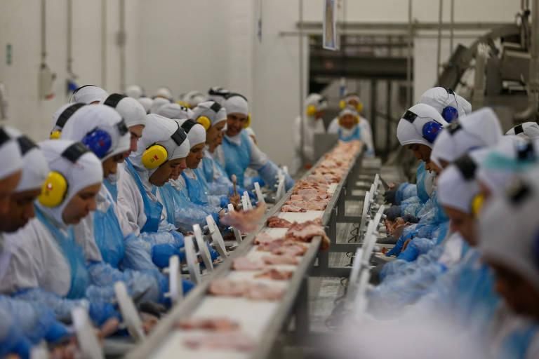 Ações de frigoríficos disparam com expectativa de queda na taxa chinesa