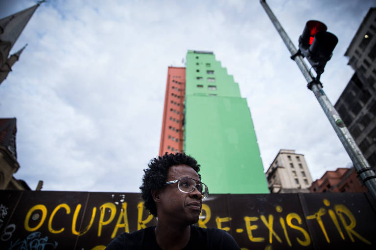 Cineasta Jeferson De, que roda drama sobre Luiz Gama