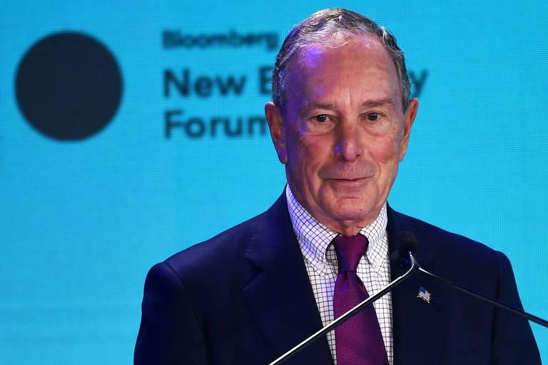 O ex-prefeito de Nova York Michael Bloomberg fala durante fórum em Singapura