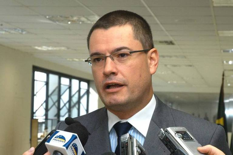 Hoje superintendente da PF no Paraná, Maurício Valeixo em entrevista a jornalistas