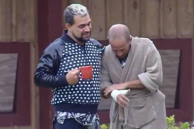 Rafael Ilha sofre lesão na mão antes da prova do fazendeiro em A Fazenda
