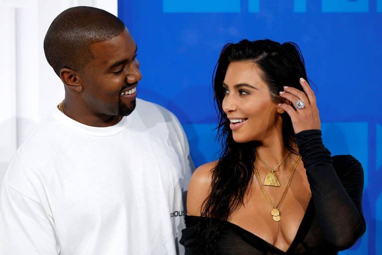 Kim Kardashian and Kanye West durante o MTV Video Music Awards em 2016