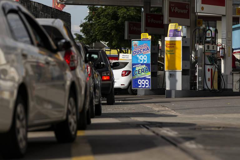 Fila de carros na marginal Tietê, em São Paulo; com etanol, cerca de 515 milhões de toneladas de gases de efeito estufa deixaram de ser despejadas na atmosfera