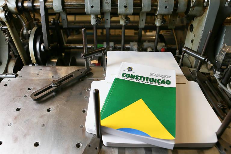 Constituição brasileira não permite a revogação de mandato político por assinaturas