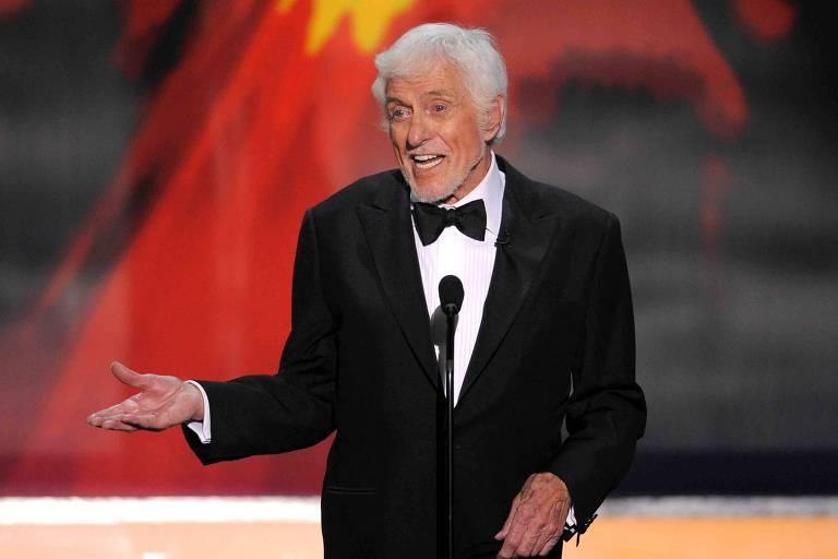 Dick Van Dyke durante o Annual Screen Actors Guild Awards, em Los Angeles in Los Angeles