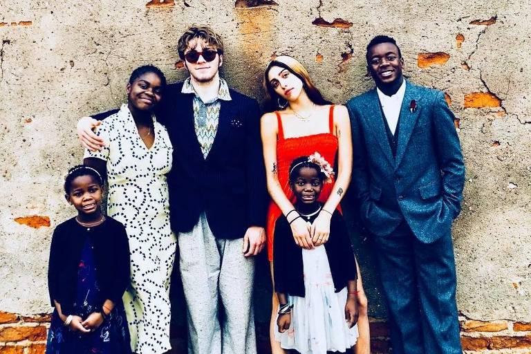 Lourdes Maria, da relação com Carlos Leon; Rocco, do casamento com Guy Richie; David Banda, Mercy James e as gêmeas, Stelle e Estere, que foram adotadas no Malawi