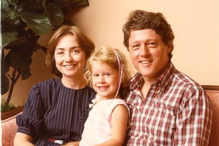 Hillary Clinton exalta família em mensagem para Dia de Ação de Graças no Instagram