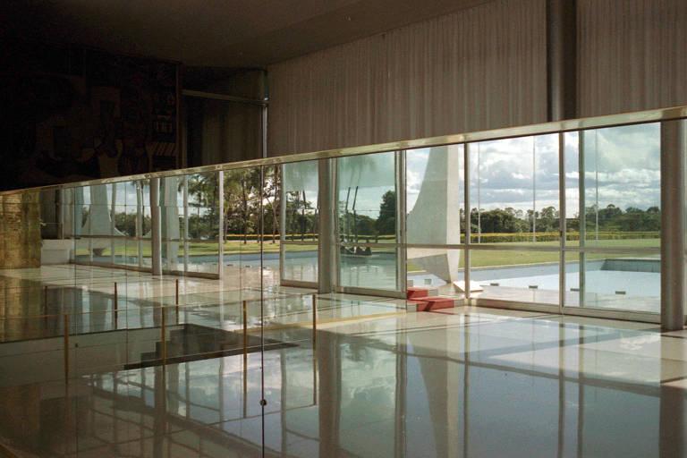 Palácio da Alvorada recupera brilho original com restauro de ambientação
