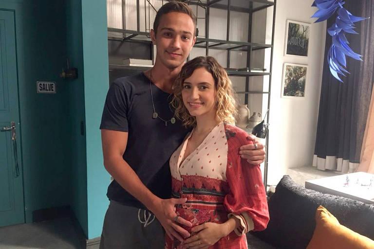 Camila, ex-namorada de Márcio, terá o bebê nesta semana