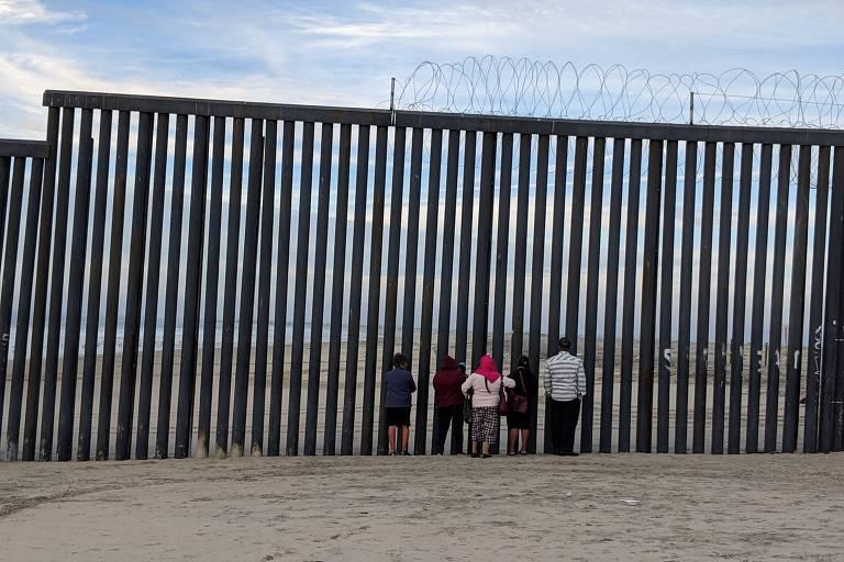 Fronteira entre EUA e México em San Diego / Tijuana