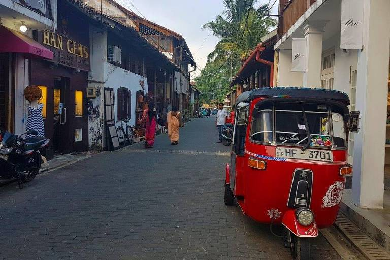 Tuk Tuk na cidade de Galle, no sudoeste do Sri Lanka