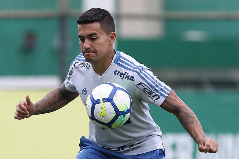 Dudu durante treino do Palmeiras