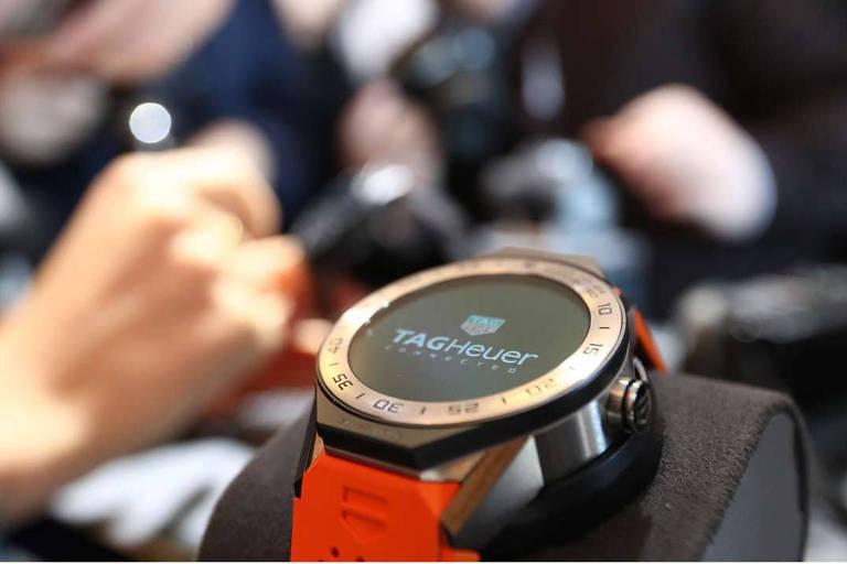 1bc818d39c1 Marcas de relógio se reinventam para competir com Apple - 27 11 2018 ...