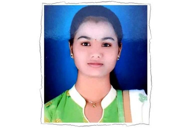 """Neha Sharad Chaudury morreu no seu aniversário de 18 anos, supostamente por """"assassinato em nome da honra""""."""