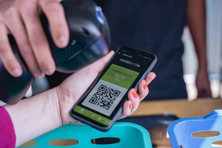 Tela do aplicativo Molécoola, que troca recicláveis por pontos de um programa de fidelidade