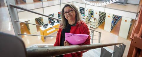 SAO PAULO, SP, BRASIL, 25-10-2018 -  CINQUENTÕES NA FACULDADE - Alunos com mais de 50 anos em cursos universitários com mais de 50 anos. Jucineide Farias da Cruz, 54 anos, estuda Pedagogia na Universidade Cruzeiro do Sul.(Foto: Ronny Santos/Folhapress, NAS RUAS / NOS PRÉDIOS)  ***EXCLUSIVO AGORA *** EMBARGADA PARA VEICULOS ONLINE *** UOL E FOLHA.COM CONSULTAR FOTOGRAFIA DO AGORA *** FOLHAPRESS CONSULTAR FOTOGRAFIA AGORA *** FONES 3224 2169 * 3224 3342 ***