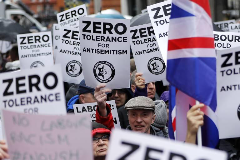 Protesto contra o antissemitismo em Londres em abril