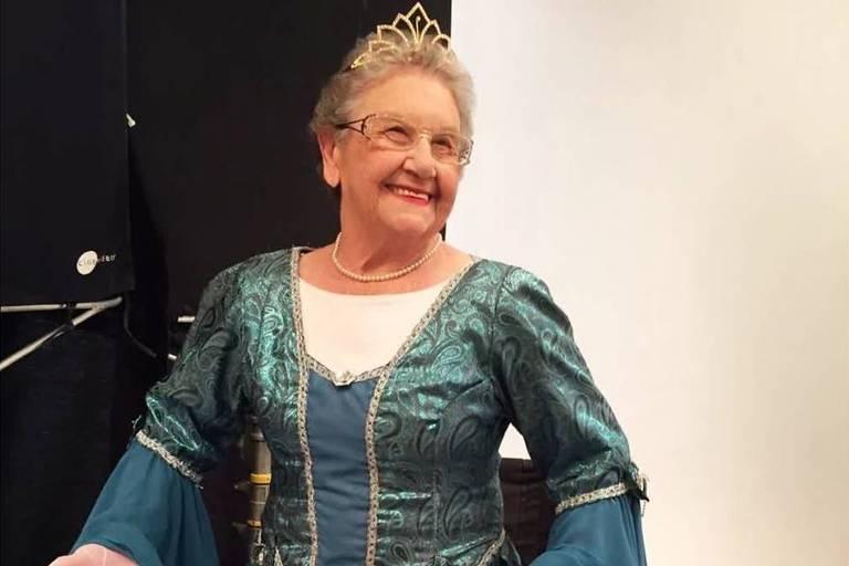 Palmirinha se veste de princesa em homenagem aos 90 anos do Mickey: 'Para lembrar magia'