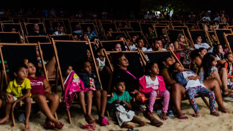 Plateia em festival de cinema de São Miguel do Gostoso (RN)