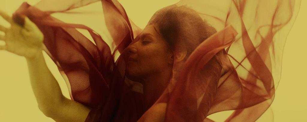 Maria Fernanda Cândido no set de 'A Paixão Segundo G.H.', novo longa de Luiz Fernando Carvalho