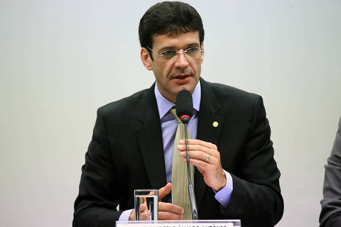 Ministro do Turismo pede para STF suspender apuração em MG de laranjas do PSL