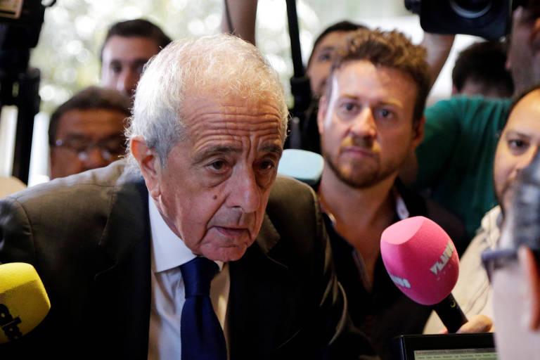 Rodolfo D'Onofrio, presidente do River Plate, na sede da Conmebol para a reunião que definirá o futuro da final